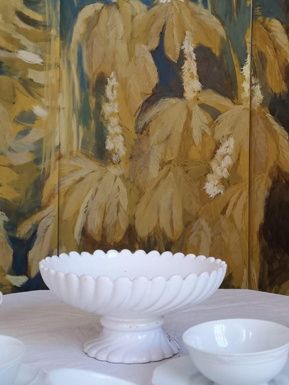 Ippocastano fiorito con piatto